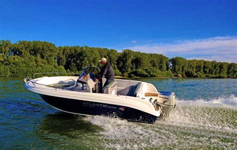 motorboot fahren frau motorboot fahren in ginsheim gustavsburg als geschenkidee