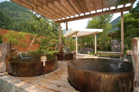Relaxing Bathroom Decorating Ideas japanese style hot tub mandychenchen