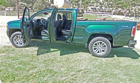 gmc canyon bed size 2015 gmc canyon crew 4x4 is it the right size for the job