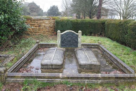 Althorp Burials | princess diana grave empty royal buried at family crypt