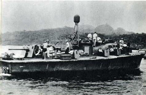 jfk pt boat 1943 pt 109 quot i recognize jfk shirtless in the cockpit