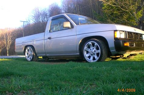 nissan hardbody lowered custom 1993 nissan hardbody 4 000 possible trade 100163156