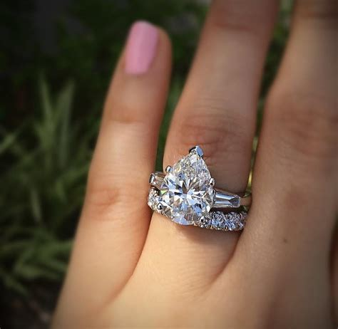 Big Engagement Rings by Big Engagement Rings Are Tacky Designers Diamonds