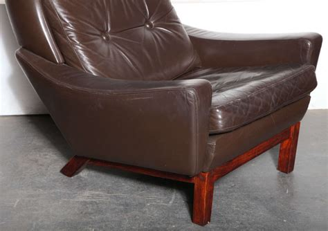 Brown Wingback Chair by Modern Brown Leather Wingback Chair By Kayser At