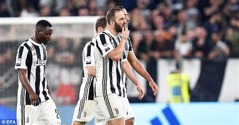Shocker Is Own Fan by After Napoli Shock Juventus Who Will Claim The Serie A