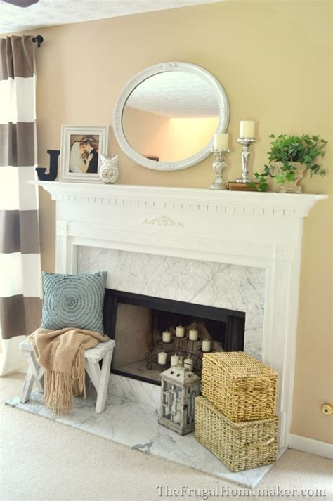 traditional mantel   touch  glam  mantel decorated  ways