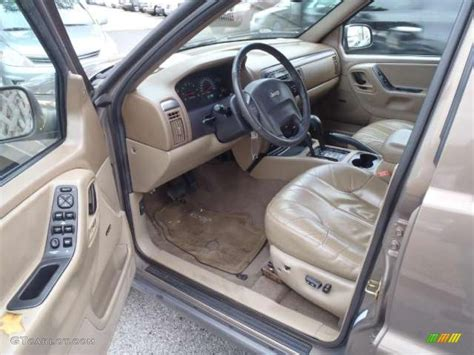 Jeep Grand Limited Interior Sandstone Interior 2001 Jeep Grand Laredo 4x4