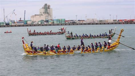 dragon boat racing okinawa dragon boat race festivals of naha and itoman and