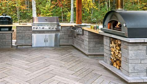 Outdoor Kitchens   LCM PLUS