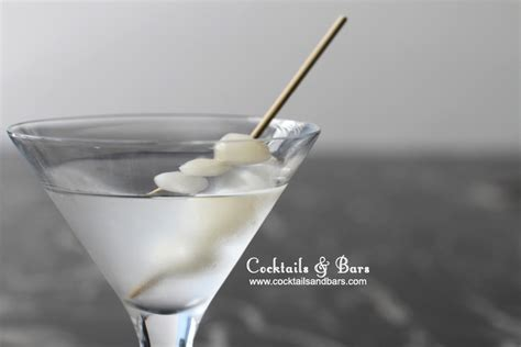 martini gibson cocktail onion drink recipes