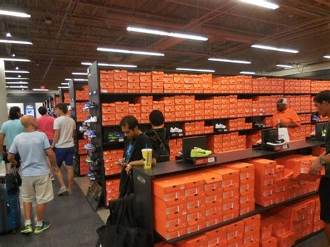 nike slop vegasus the nike store picture of las vegas premium outlets