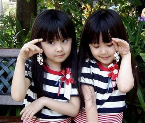 wallpaper anak kembar foto bayi kembar unyu unyu bangetz si gambar