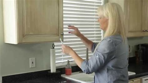 how to get grease out of kitchen cabinets how to easily