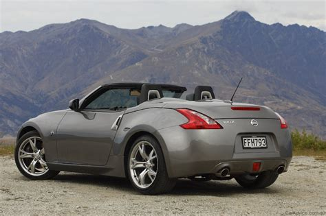 Nissan Roadster 370z by 2010 Nissan 370z Roadster Launched Photos 1 Of 97