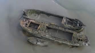 boat wrecks youtube maldon boat wrecks oxygen scotia thames sailing barges