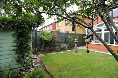 bedroom semi detached house  sale  mundesley nr