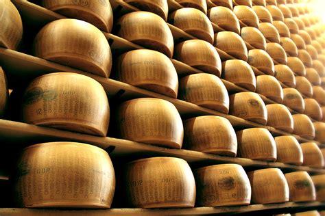parmigiano reggiano bertinelli produces kosher parmigiano reggiano pdo