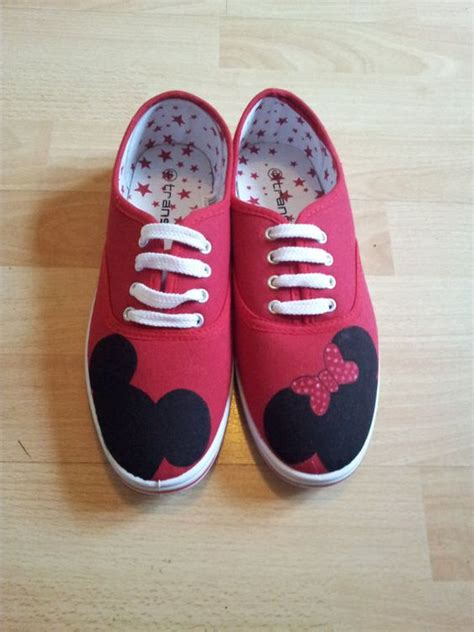 diy minnie mouse shoes minnie and mickey mouse painted shoes by