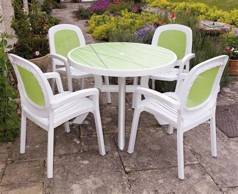 tavolo di plastica tavoli in plastica da giardino mobili giardino tavoli