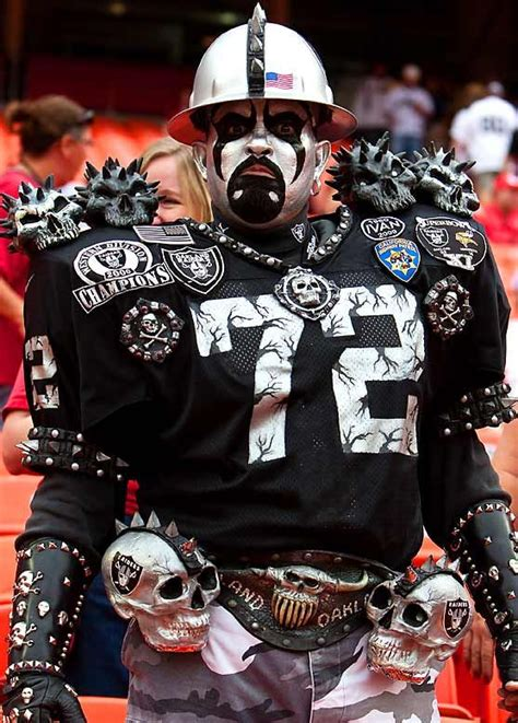 oakland raiders fan experience 224 best images about raider nation on pinterest