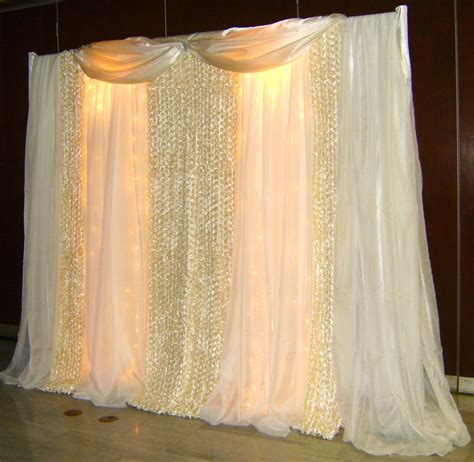 Diy Wedding Backdrop Lights by Diy Wedding Backdrops Ideas This Backdrop Is Designed