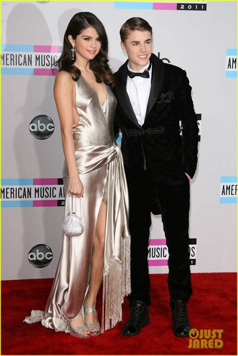 The Pathetic Story The Amas by Amas Flashback Selena Gomez Justin Bieber S Last