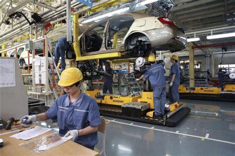 cadenas industriales en aguascalientes trabajadores en una cadena de montaje en la f 225 brica de