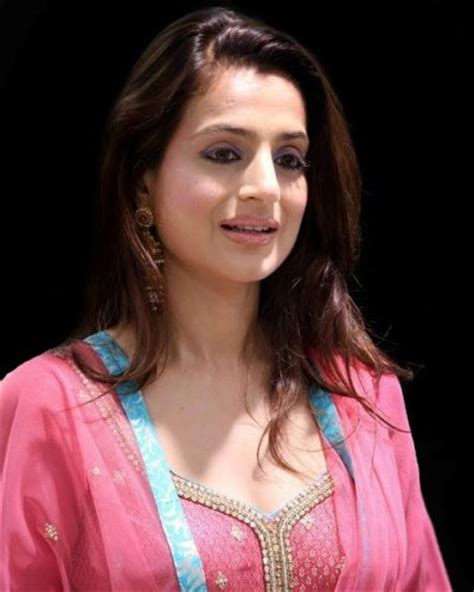 hollywood actress figure size list ameesha patel measurements height weight bra size age wiki