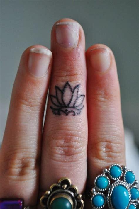 tattoo on finger does it hurt 17 best ideas about inside finger tattoos on pinterest