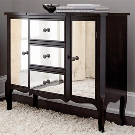 Mirrored Bedroom Dresser Ideas To Use Mirrored Furniture In The Bedroom Interior Design