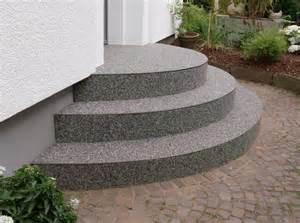 buntsteinputz treppe treppen steindesign kieselbeschichtung steinteppich
