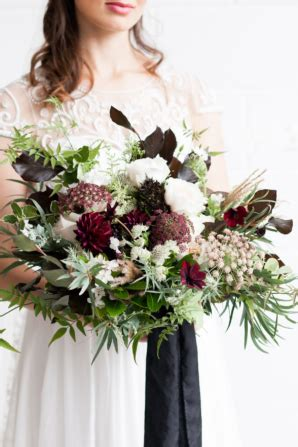 Raida Burgundi organic wedding inspiration featuring minted decor advisor