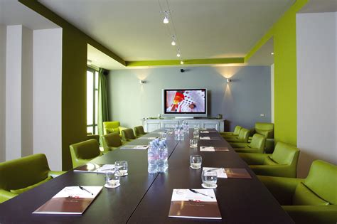 Free Meeting Rooms by Web In Magazine 187 Language Magazine About For Anglophones Who