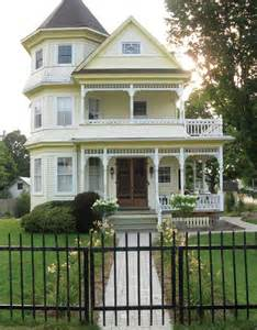 Empty Nester House Plans Why I Live Here In A Victorian House Everything Zoomer