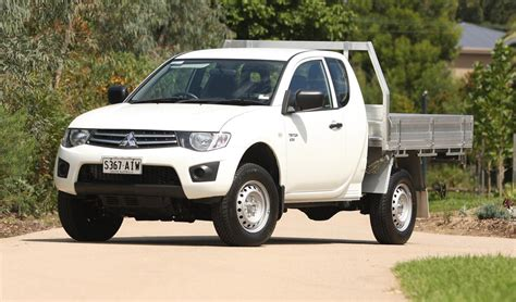 mitsubishi triton club 2011 mitsubishi triton club cab review