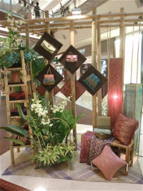 borneotip raya decoration    gardens mall