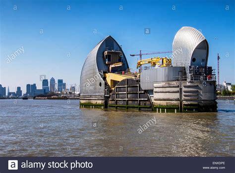 thames river flood barrier single river thames barrier flood defence protects the