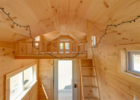 cross gable tiny house   trailer