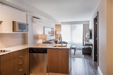 age to rent hotel room les suites hotel gatineau choice hotels