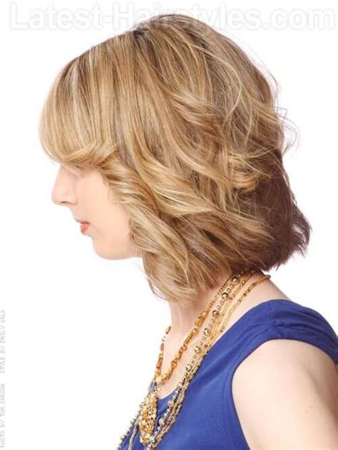 short layered bob sides feathered back medium length layered hairstyles front and back view