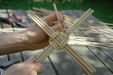 Que Faire Avec Un Panier En Osier by Technique De Fabrication D Un Fond De Panier En Osier