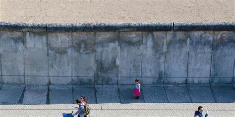 Berlin Wall Essay by Berlin Wall Essay