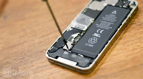 Battery Tewe Iphone 4s how to replace the battery in an iphone 4s imore