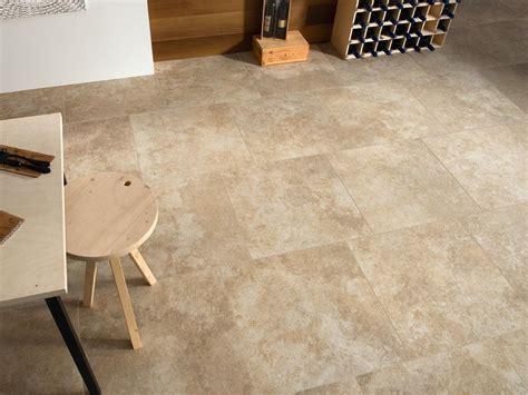 pavimenti per interni classici pavimento rivestimento in gres porcellanato effetto pietra
