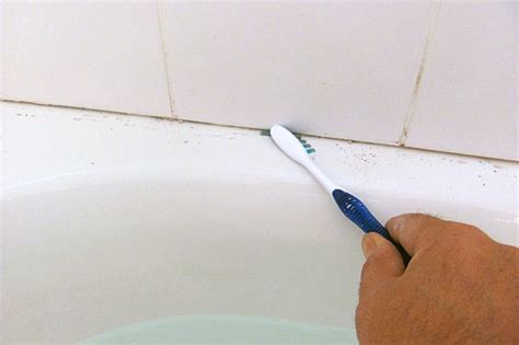 how to take caulking off a bathtub no more caulking use grout around your bathtub elisa