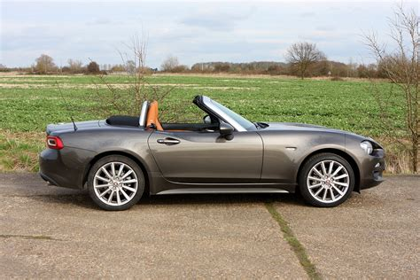 How Much Is A Fiat Convertible Fiat 124 Spider Convertible 2016 Running Costs Parkers