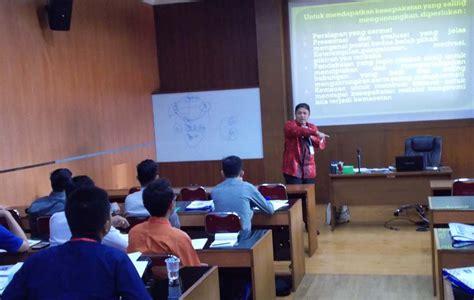 Hukum Dan Hubungan Internasional Jawahir Thontowi Uii Press 1 pelatihan hukum negosiasi dan mediasi kontrak bisnis gelombang i dan ii fakultas hukum