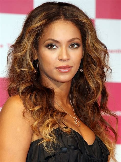 beyonces video hairstyles how to get beyonces hair 10 beyonce knowles hairstyles popular haircuts