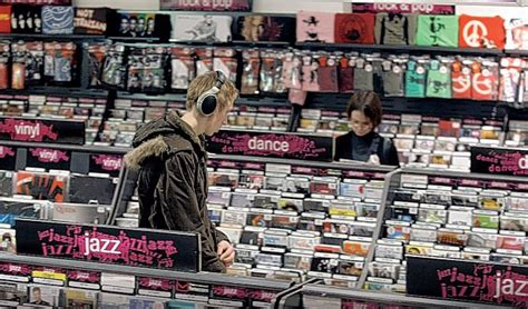 Hmv Gift Card Online - hmv gift vouchers worth millions of pounds can be redeemed in stricken stores from