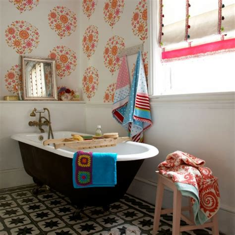 70s style decor tapeten ideen im bad 21 ausgefallene und stilvolle